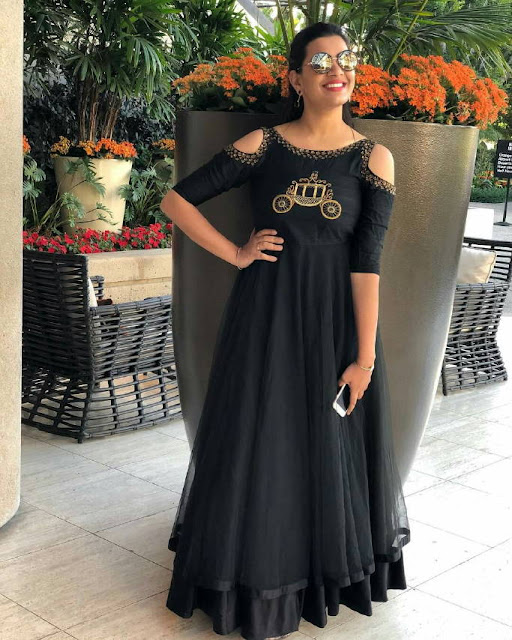 Tollywood Singer Geetha Madhuri Cute Smiling Pics Actress Trend