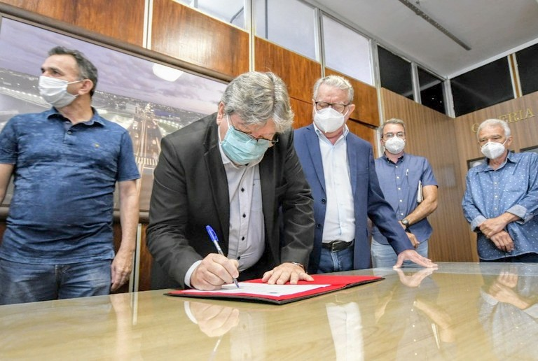 Governador autoriza investimento de R$ 24 milhões em primeira obra do programa Rodovias PB