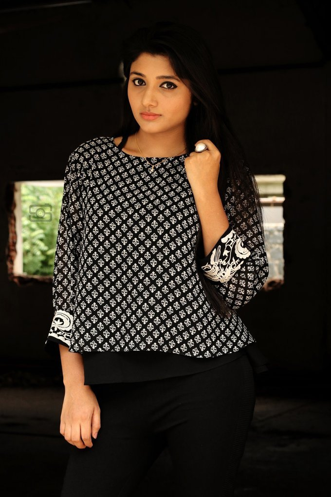 Tamil Actress Aditi Menon New Photoshoot Pics