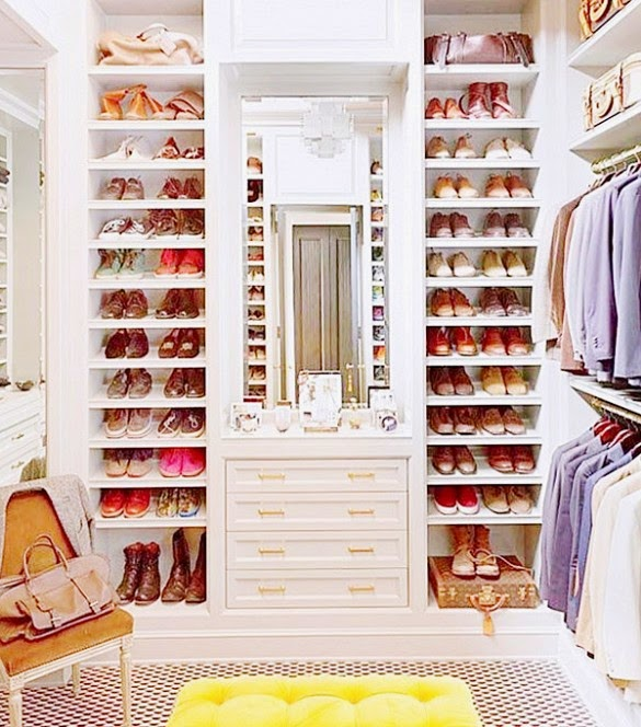 closet organizing shoes