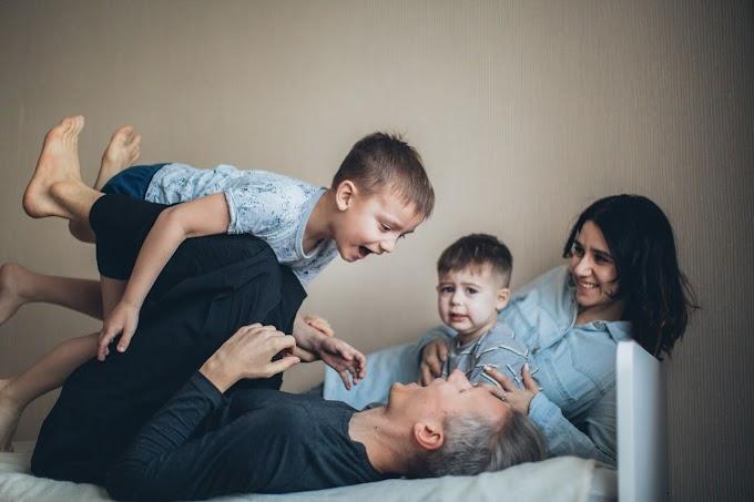 संयुक्त परिवार में बच्चों का विकास उचित प्रकार से होता है?