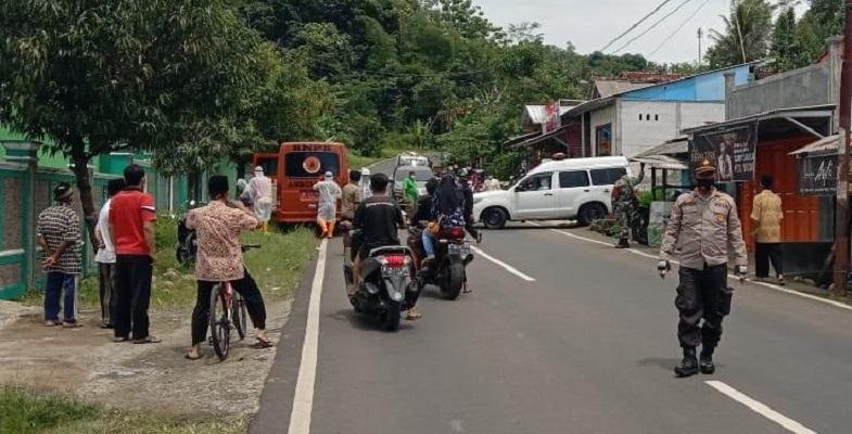 Lagi, Polisi Kawal Pemakaman Pasien Covid-19 di Rembang Purbalingga