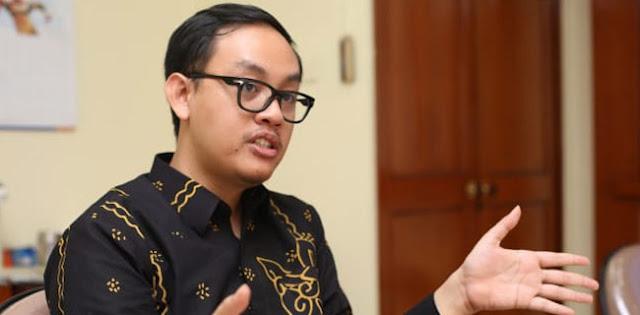 Jokowi Cabut Lampiran Perpres Miras, Indef: Aneh Kalau Perpresnya Berlanjut!