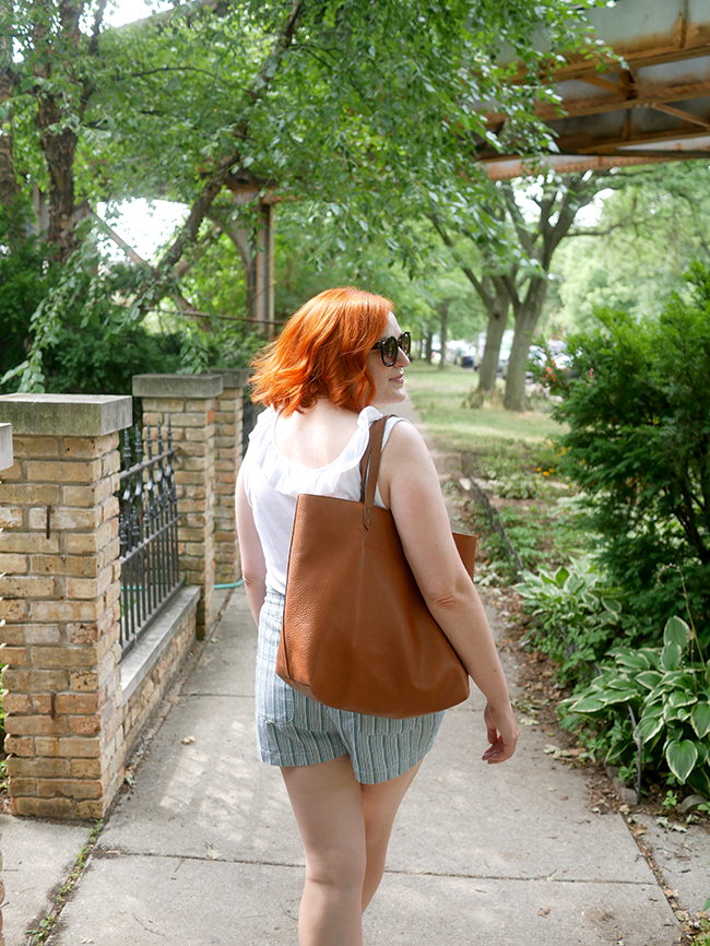 summer outfit with madewell transport tote