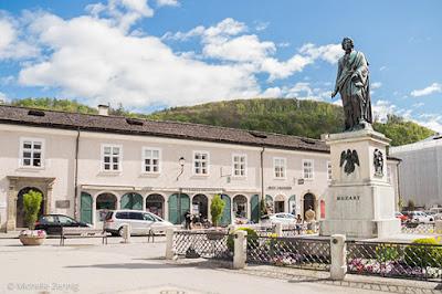 Centro de informações da Mozartplatz, Salzburg, Áustria
