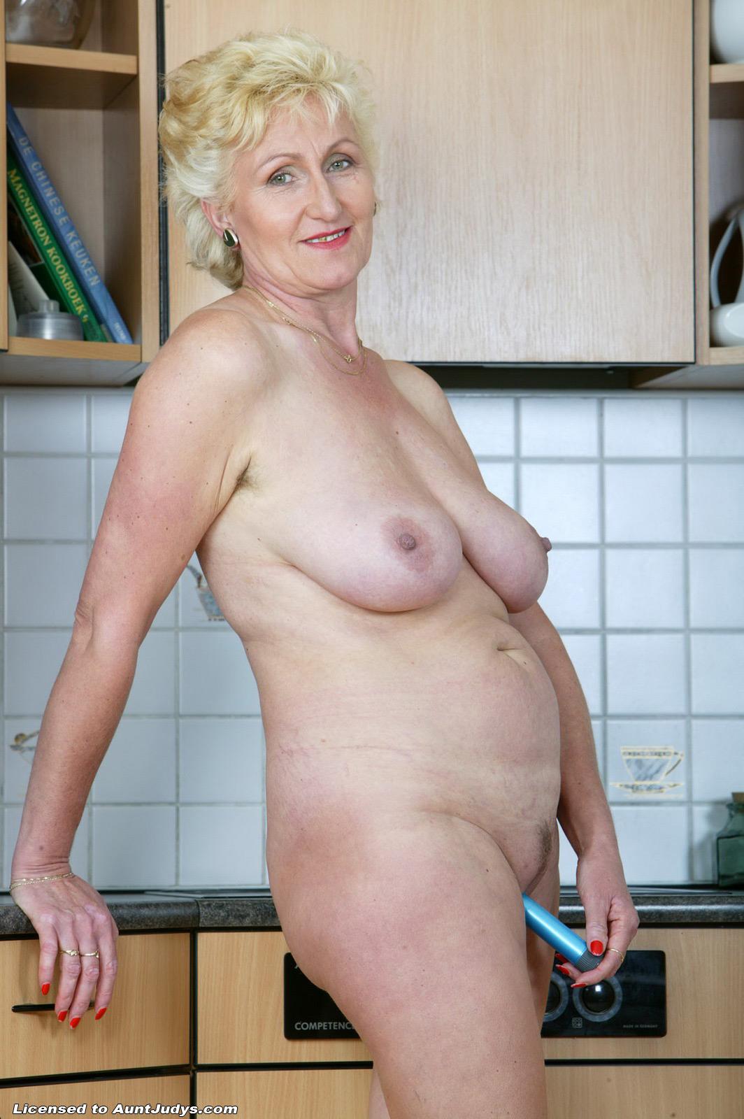 Фото пожилых голых женщин