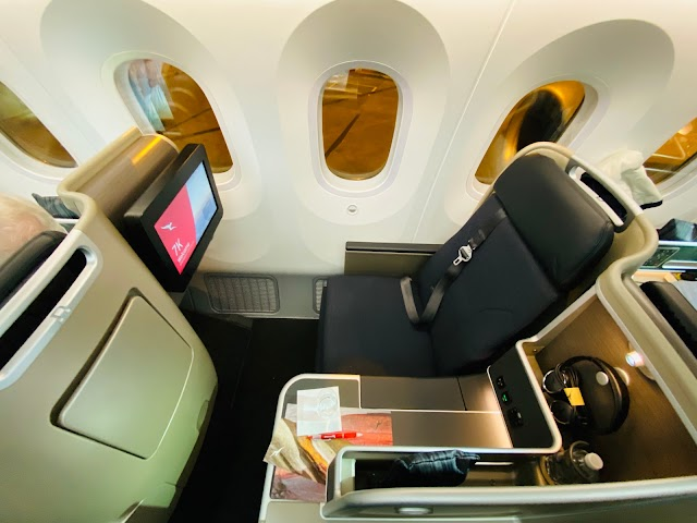 Review: Qantas QF49 Business Class Boeing 787-9 Dreamliner Melbourne (MEL) to San Francisco (SFO)