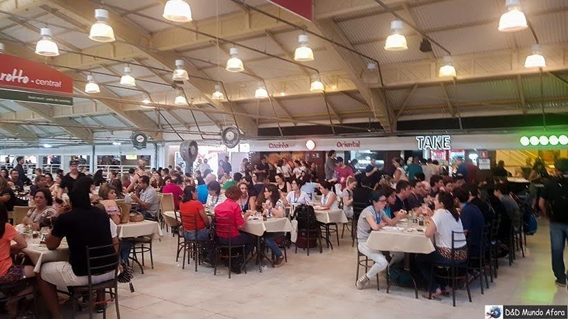 Praça de alimentação no Mercado Municipal de Curitiba: como visitar e o que comprar