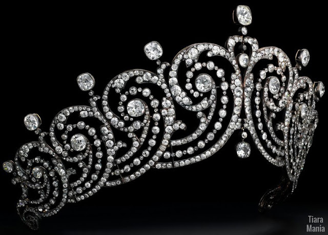 countess essex diamond tiara cartier