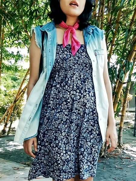 blue floral dress,levi's frayed denim vest ,pink scarf, stylepanorama