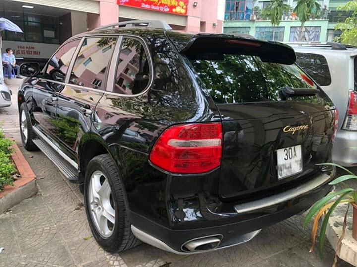 Xe cũ Porsche Cayenne giá hơn 800 triệu đồng tại Việt Nam