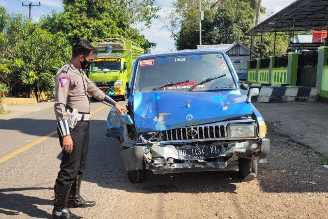 Kecelakaan Maut di Bone, Warga Cina Meninggal Ditabrak Mobil