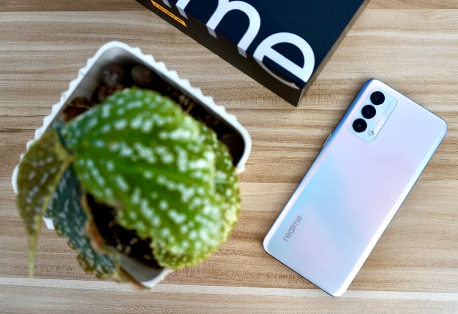 realme Gt Master Edition Review - Back panel