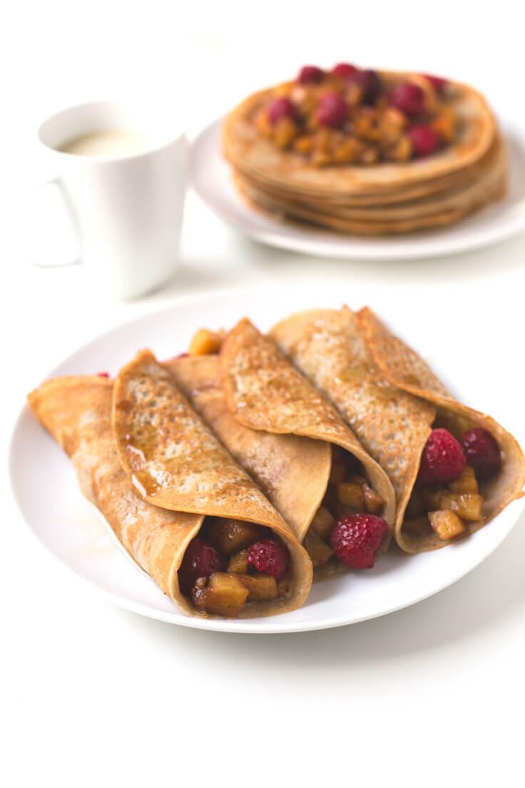 Oil-free vegan crepes with raspberries and apple | danceofstoves.com #vegan