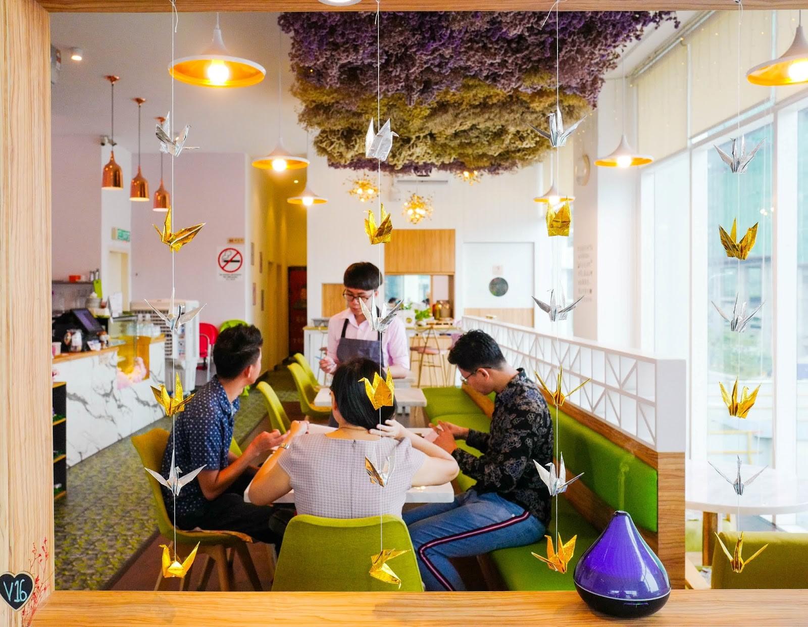 viola flower cafe, bukit jalil
