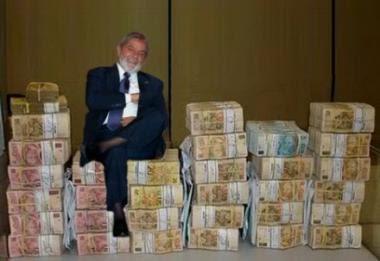 Resultado de imagem para lula e o dinheiro publico