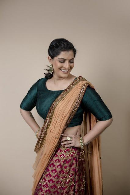 Varalaxmi Sarathkumar Latest Half Saree Photos Navel Queens