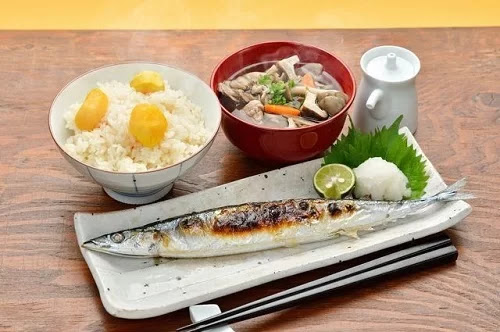 Saury dish served with white rice and soup in Japan. Photo: Round The World Cooking.