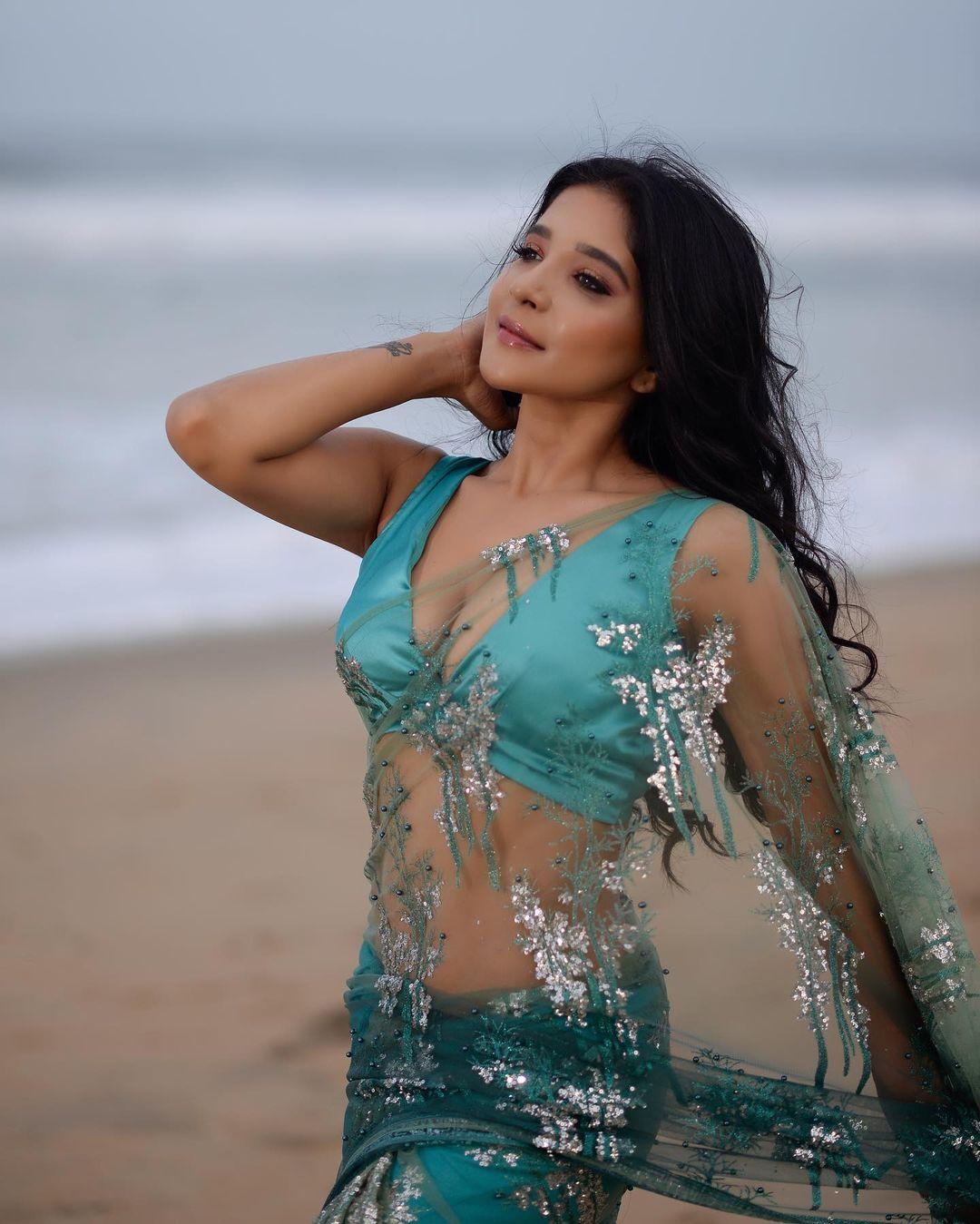 Actress Sakshi Agarwal Latest Hot Photos in Saree