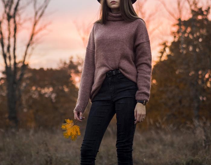 jak nosić swetry