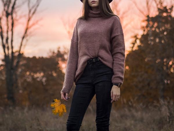 263. STYLIZACJA: sweter oversize NA-KD, kapelusz + kod rabatowy