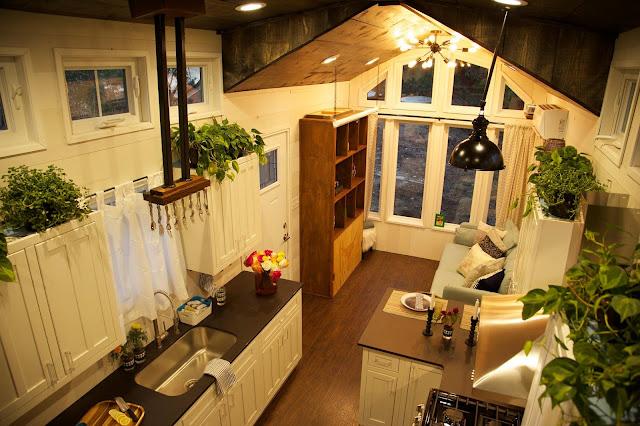 World Travler House, Tiny House Nation