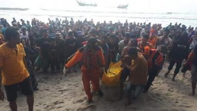 Sehari Dinyatakan Hilang, Jasad Bakri Ditemukan Mengapung di Perairan Pantai Muaro Jambu