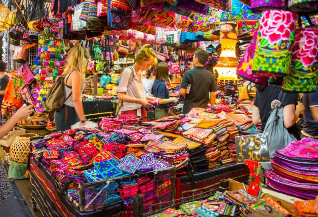 Pencinta Shopping Wajib Kunjungi Pasar Chatuchak Yang Terkenal di Bangkok