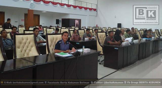 Ada Pungutan dan Jual Beli Lapak, PKL Alun-Alun Mengadu ke DPRD