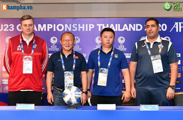 Thầy Park thân mật với HLV của UAE trước đại chiến ở giải U23 châu Á 9