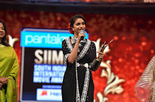 Keerthy Suresh Receiving Best Actress Award for Mahanati at SIIMA Awards 2019