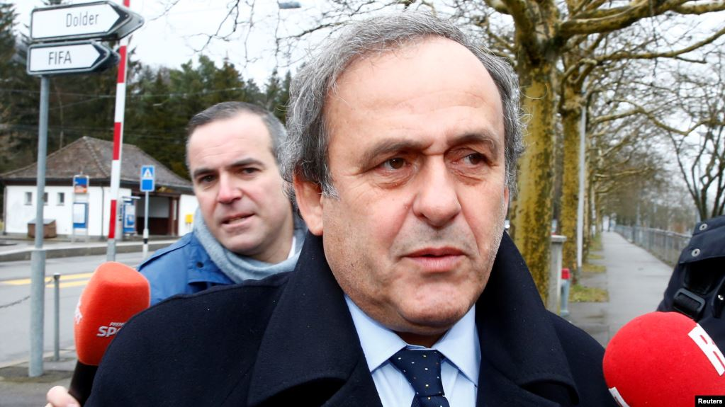 Michel Platini, exastro del fútbol francés, fue citado por la Oficina Anticorrupción de la Policía Judicial en las afueras de París / REUTERS