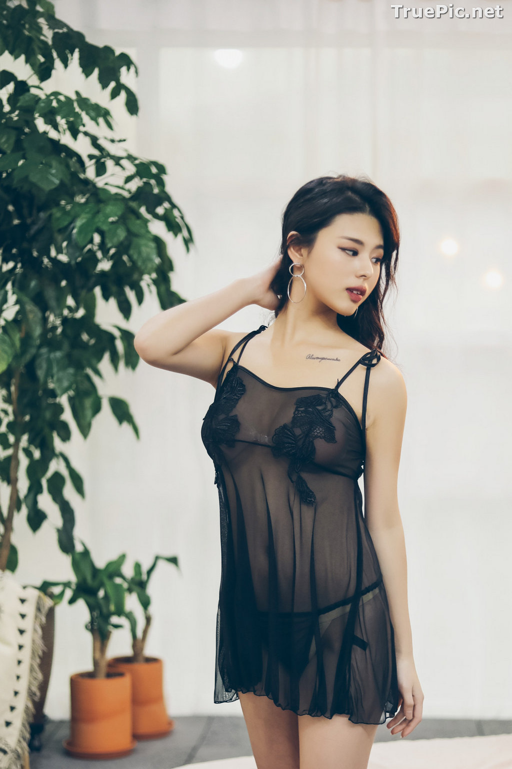 Image Jung Yuna - Korean Fashion Model - Black Transparent Lingerie Set - TruePic.net - Picture-8