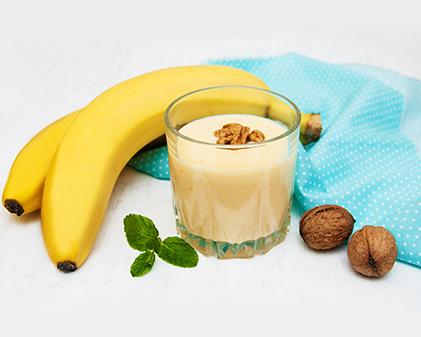 Banana walnut smoothie