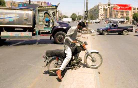 Coronavirus: Pakistan expands lockdown for two additional weeks