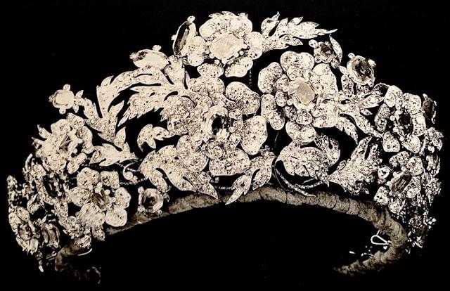 sapphire floral tiara queen margherita italy savoy genoa