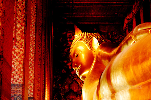 bowdywanders.com Singapore Travel Blog Philippines Photo :: Thailand :: Wat Pho in Bangkok: The Temple of the Reclining Buddha