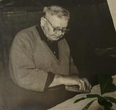 Master craftsman of Kekfest (blue dyed fabric), Hungarian batik
