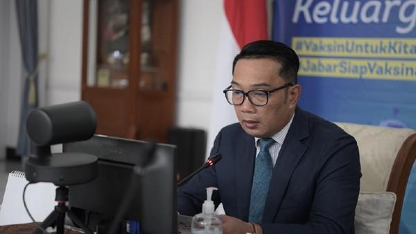 Muncul Mural Bernada Kritik, Ridwan Kamil: Jangan-jangan Kita Jarang Dialog
