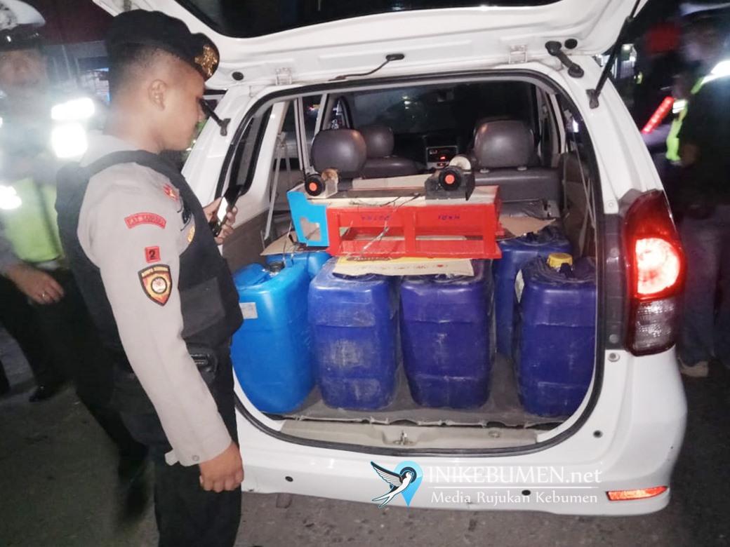 Apes, Warga Kuwarasan ini Ditangkap Polisi Saat Angkut 750 Liter Ciu