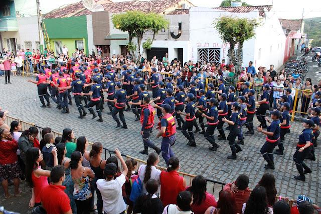 Resultado de imagem para desfile cívico taquaritinga do norte secretario marcos augusto
