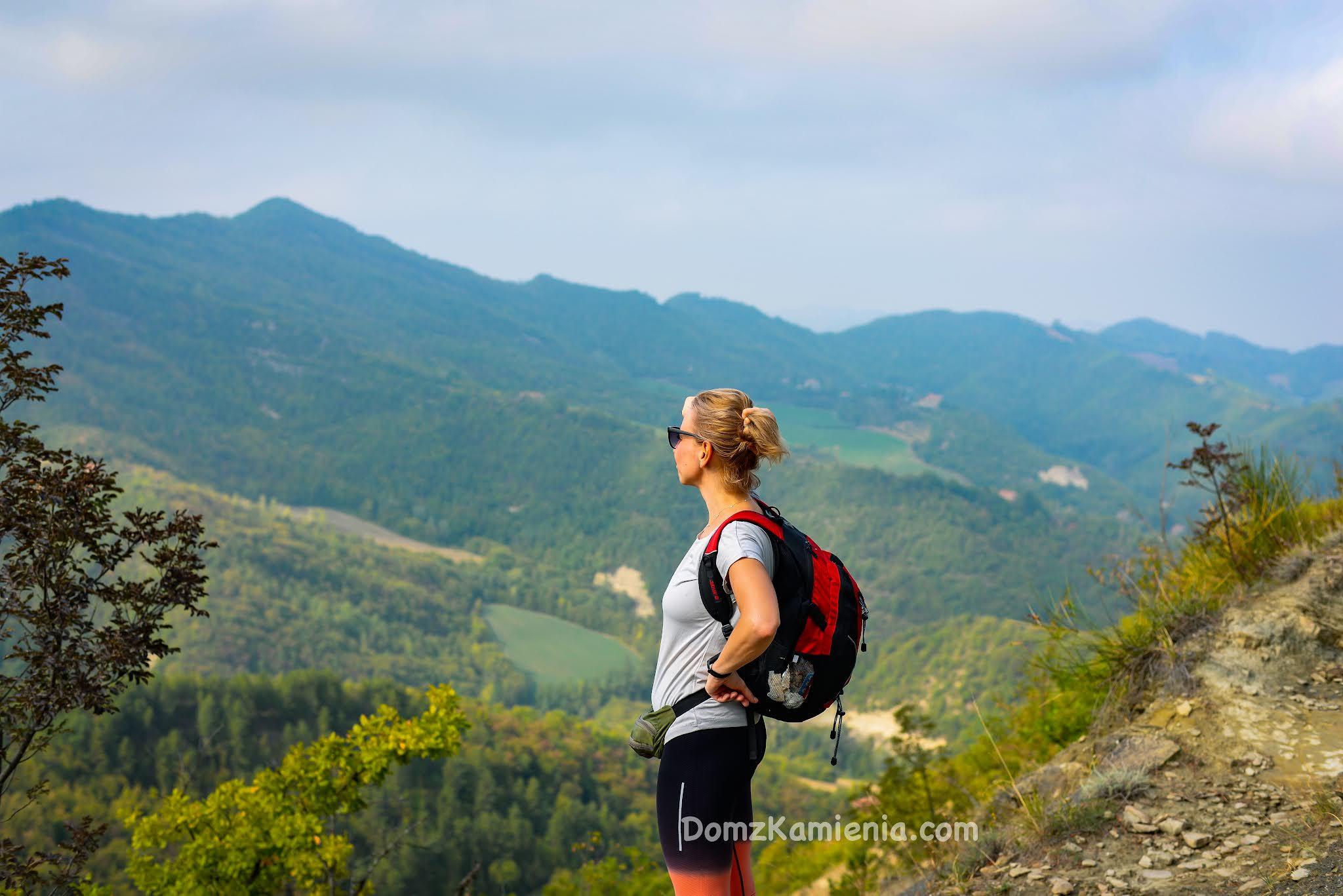 Dom z Kamienia, trekking, szlak Dantego