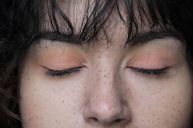 make-up-nude-naturel-freckles