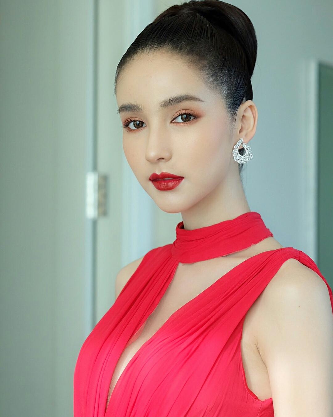 Rinrada Thurapan - Most Beautiful Thailand Ladyboy - TG Beauty