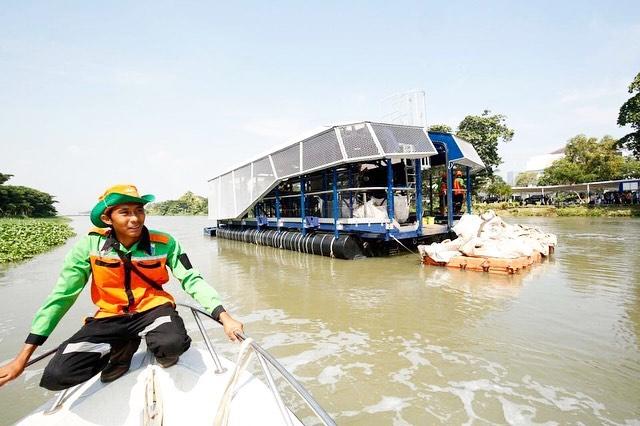 Sumbangsi Sampah Plastik di Indonesia Dalam Pencemaran Lingkungan