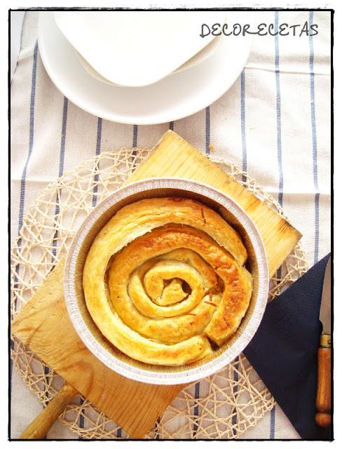 Espiral de hojaldre y pimientos