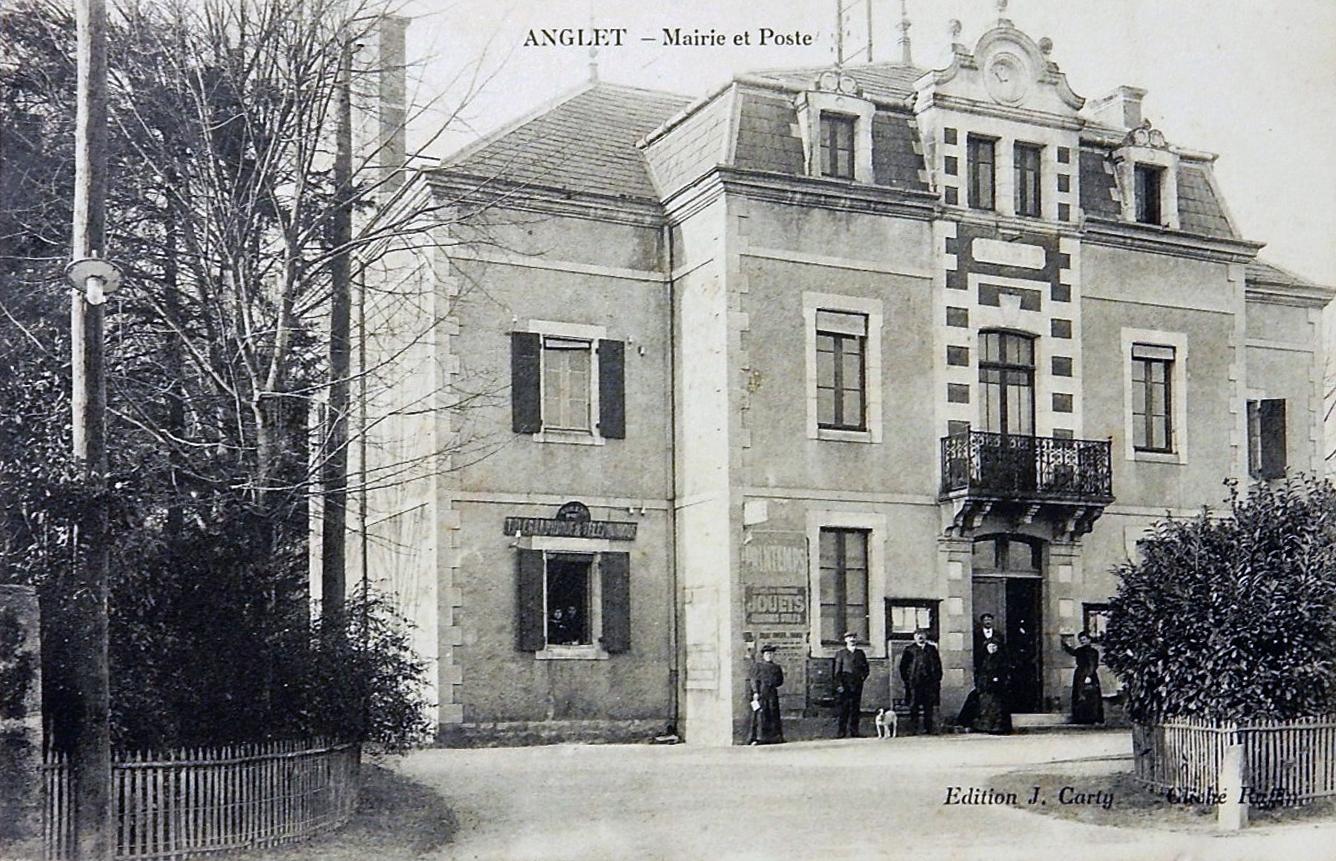 La mairie d 39 anglet - Bureau de poste biarritz ...