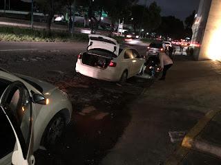 Más de una veintena de autos dañados por bache.