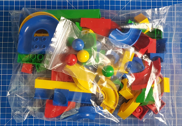 Hubelino Set box contents 55 various shaped blocks in a resealable plastic bag