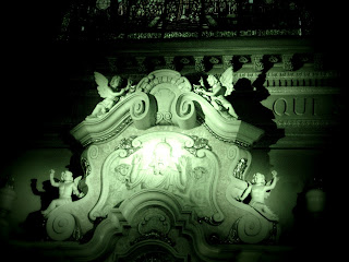 Detalhe do Monumento Visto atrás do Altar, Buenos Aires